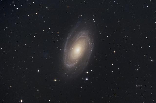 NGC3031-M81-1604APSC