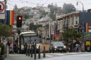 ゲイの聖地、カストロ地区。虹色が目印。