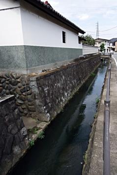 街に残る用水路